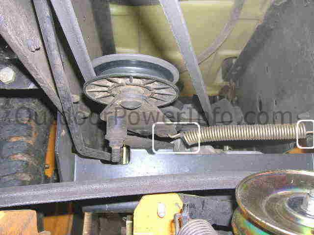 poulan_prgt25h48_belt_back installation, repair and replacement of poulan prgt25h48 belts